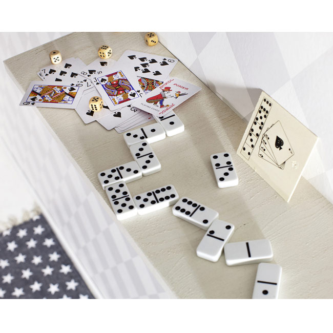 Playing cards and dice,,W4V6209,Games & Puzzles